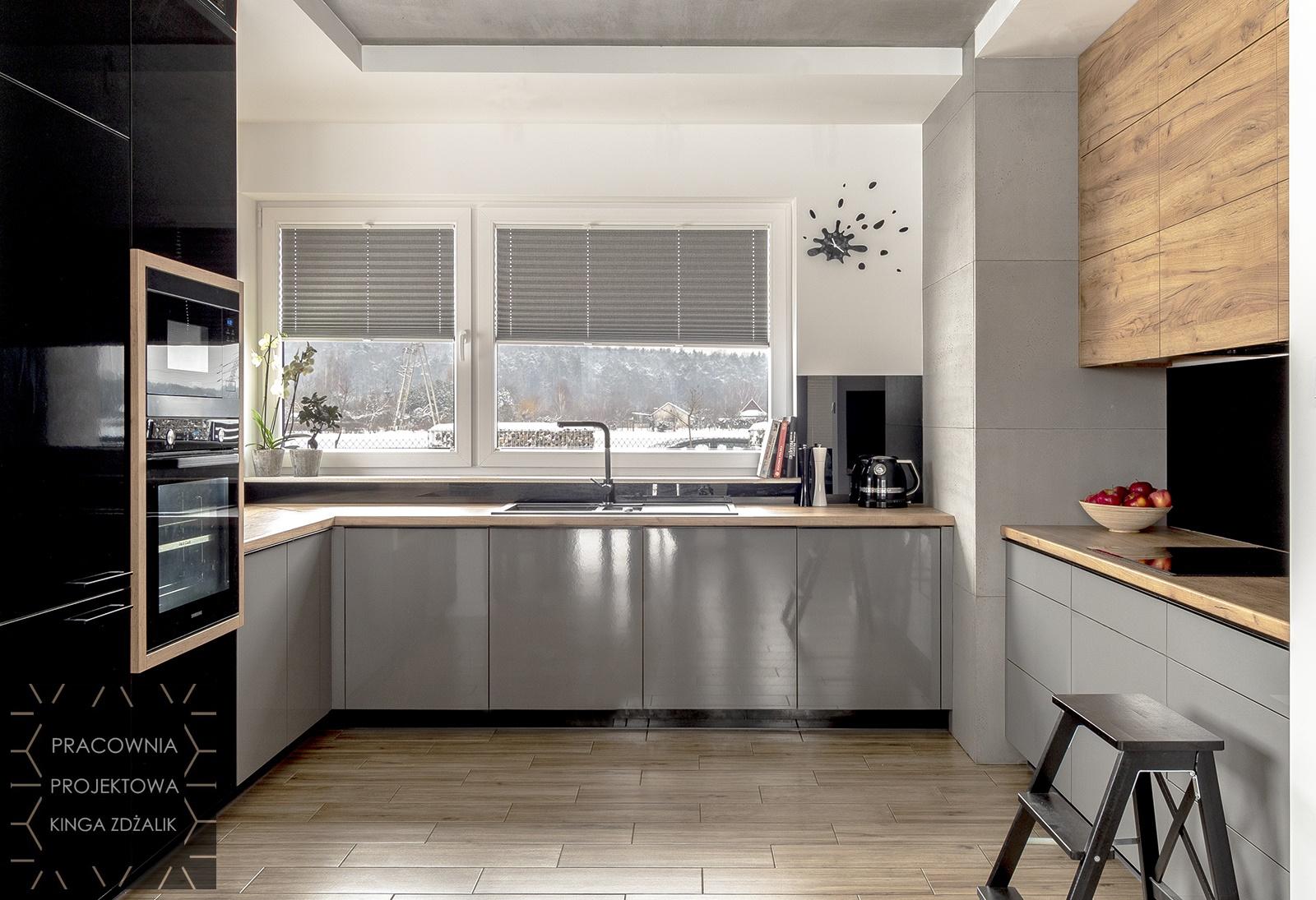 Kuchnia W Stylu Loft Szaro Czarne Fronty Mirror Gloss